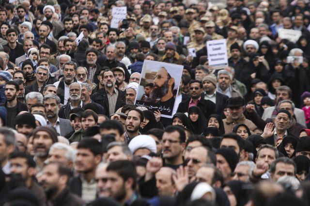 Ближневосточные рынки падают на фоне новостей из Ирана - ВВС