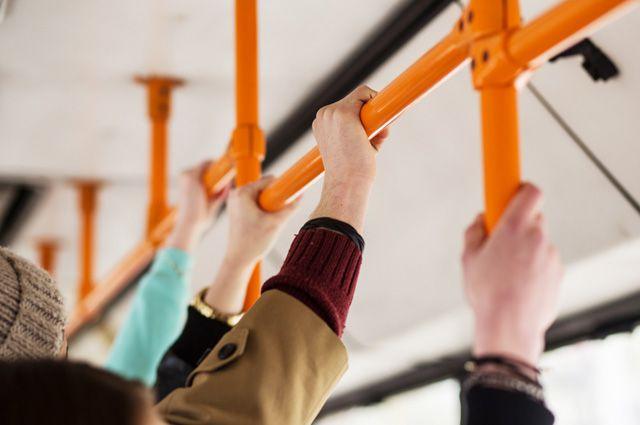 После неудавшейся попытки добраться до горсовета на автобусе депутат предложил подумать о жителях при разработке концепции развития муниципального транспорта.