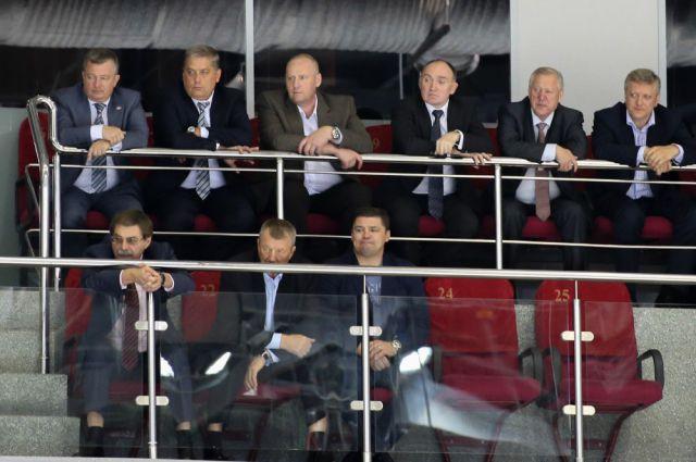 Борис Дубровский на одном из матчей в ледовой арене