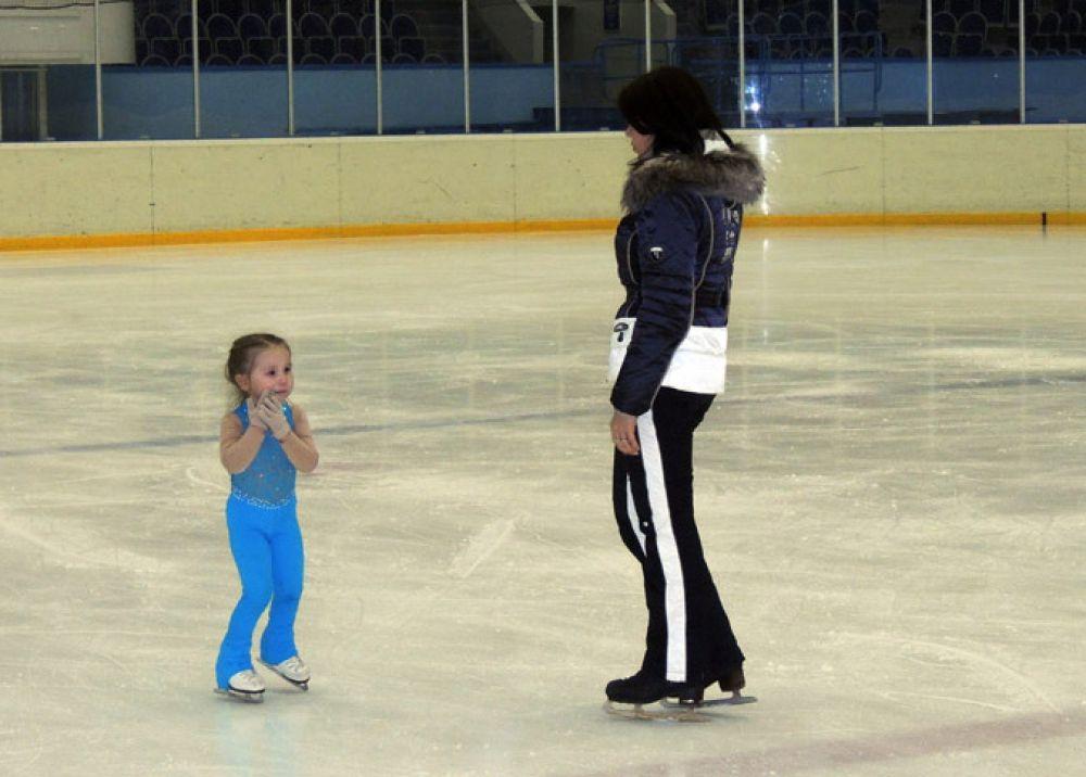 Оптимальным возрастом для начала занятий фигурным катанием считаются 4 года, а в 30 лет спортсмены обычно завершают карьеру.