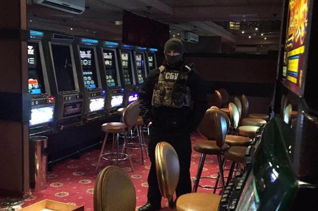 Погром киевских подпольных казино игровые автоматы бандит