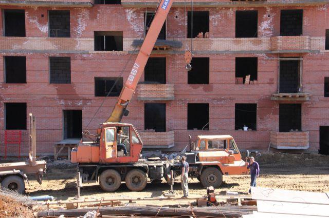 Рабочие находились на высоте без специального снаряжения.