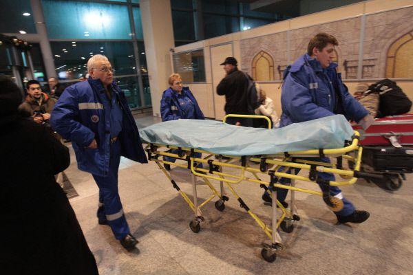 По словам медиков, судя по характеру повреждений у пострадавших, бомба скорее всего находилась на полу.