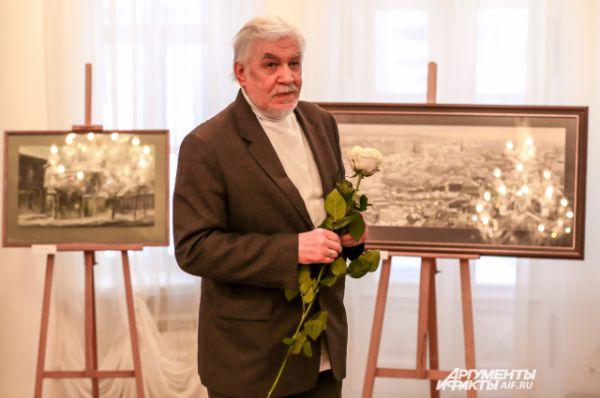 Автор работ - художник, декоратор многих советских фильмов Евгений Канев.