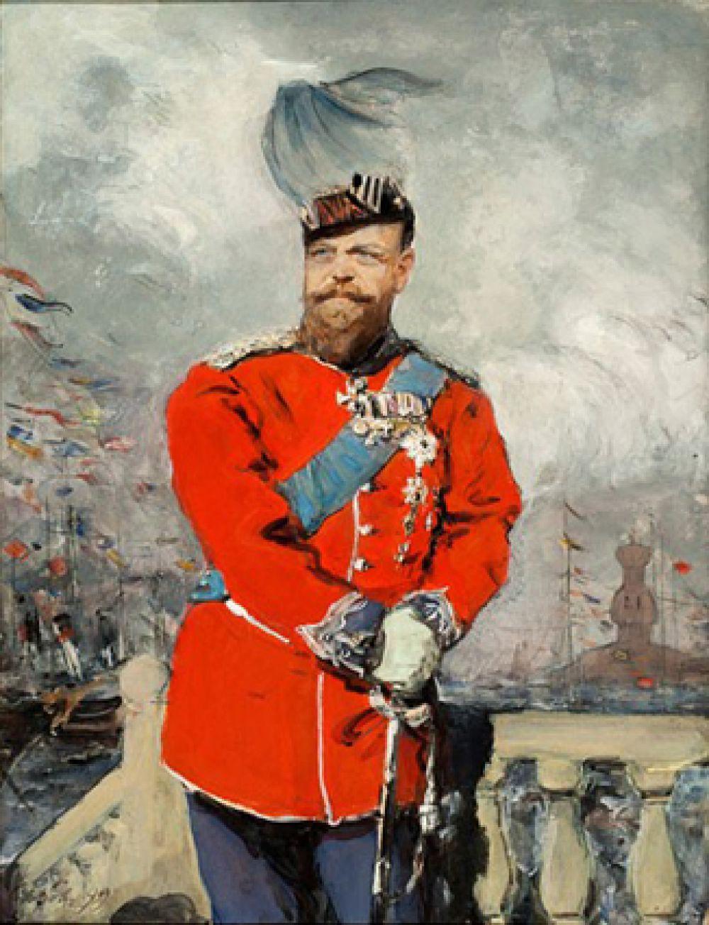 Привезенный из Дании портрет императора Александра III (1899), подаренный императором Николаем II офицерам Королевской лейб-гвардии, шефом которой был Александр III, также вернулся в музей, где хранится.