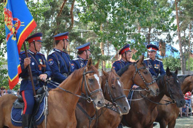 ВМоскве казаки взяли под охрану 34 районных суда
