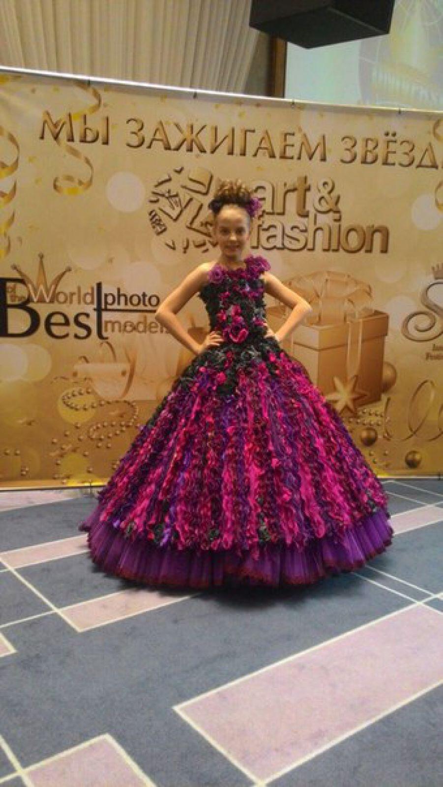 Оля участвовала сразу в двух конкурсных проектах: традиционном состязании талантливых красавиц, а также в модельном направлении.