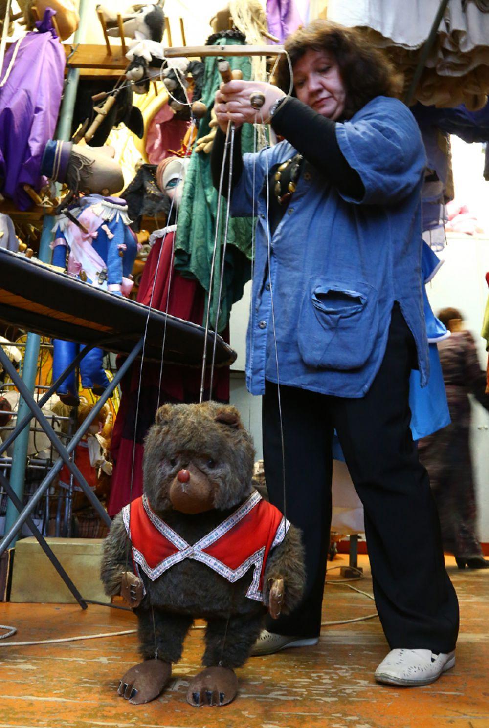 Ещё один долгожитель театра – медведь из спектакля «Машенька и медведь». Ему исполнилось 23 года!