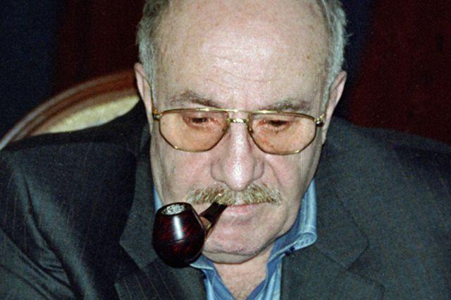 Эдуард Володарский.