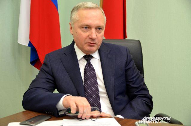 Юрий Лапшин.