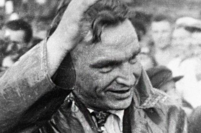 Советский летчик Валерий Павлович Чкалов, 1937 год.