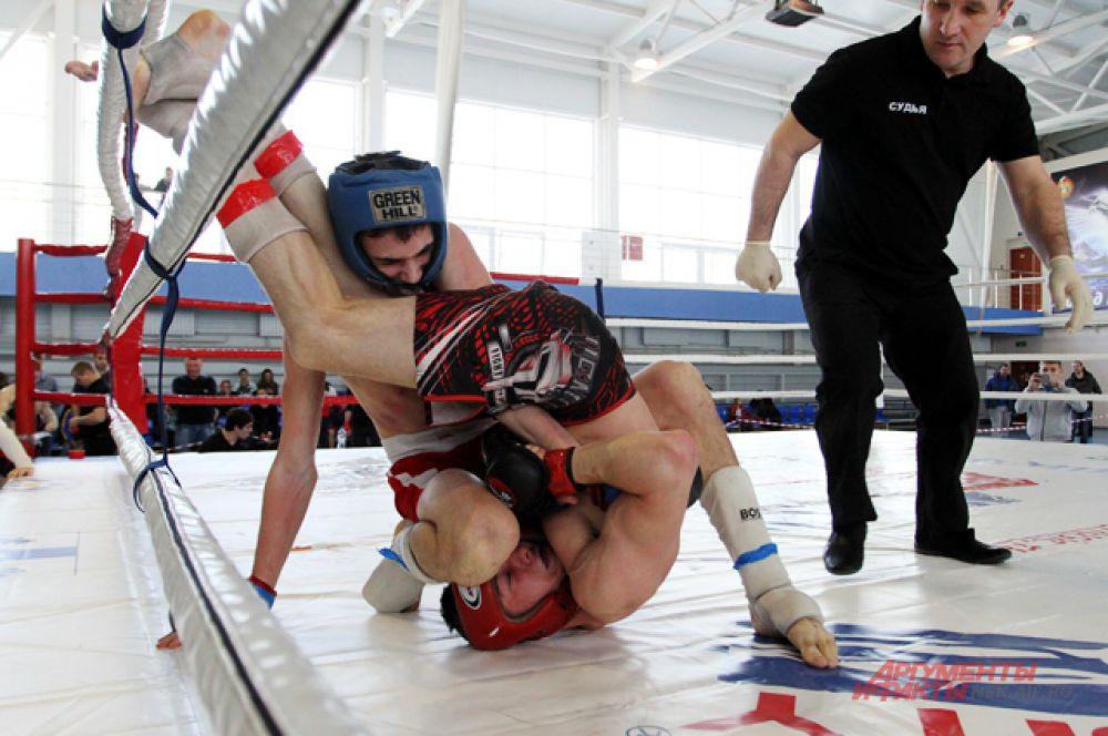 В весовой категории до 61,2 кг победил Халимов Эмомали, в категории до 65,8 кг - Слушаев Александр, в весе  70,3 кг - Лосунов Дмитрий, до 77,1 кг - Цечоев Ислам.
