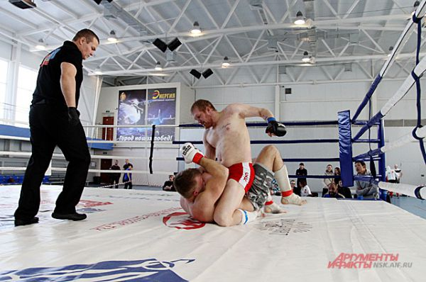 В весовой категории  до 84 кг - Солинов Доутбек, в весе до 93 кг - Литвинов Станислав, в весе 93+ - Шумаев Сергей.