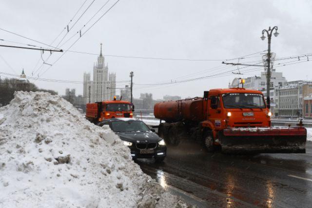Такой транспорт зимой - главный на дорогах мегаполиса...
