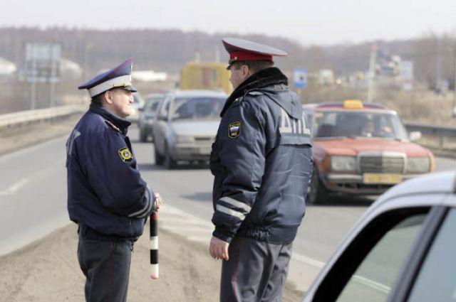 Желающих работать в дорожно-патрульной службе становится всё меньше.