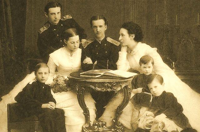 1867 год. Николай Константинович в кругу родных.