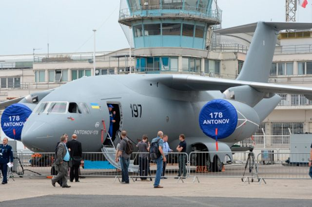 Военно-транспортный самолёт Ан-178 концерна «Антонов».