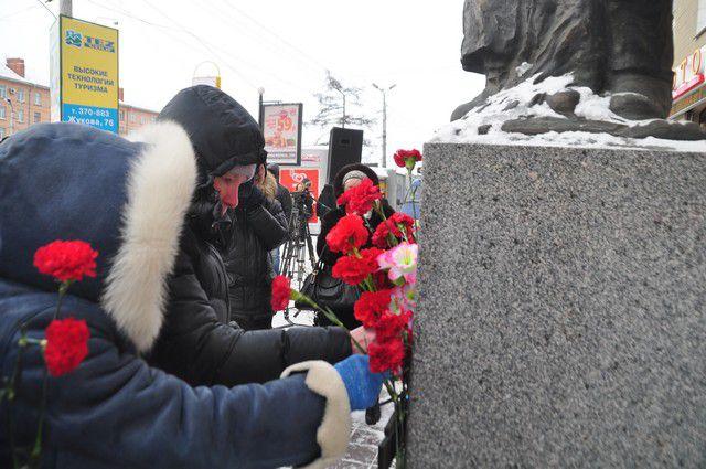 День снятия блокады вспомнили новосибирцы.