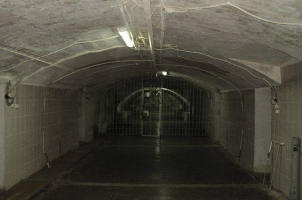 Музей находится в подвале.