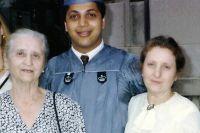 В 1991 году при получении диплома в Колумбийском Университете. Семья Красовских, слева направо: бабушка, Григорий, мама.
