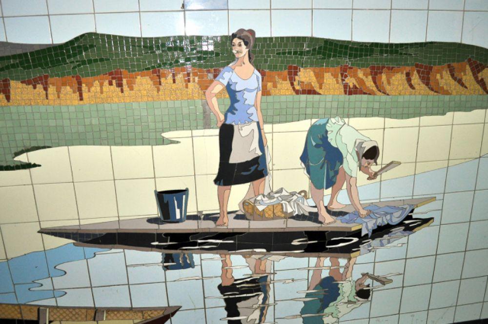 Вот женщины стирают бельё в Дону.