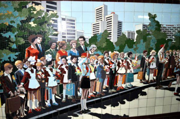 Всего переходов, украшенных мозаикой, восемь. Пять - в центре города, на пересечении главных улиц.