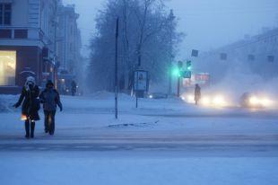 Опасности на дорогах Кемерова могут поджидать как и пешеходов, так и автолюбителей. Особенно зимой.