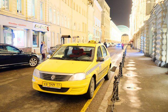 В Омске участились случаи нападений на таксистов.