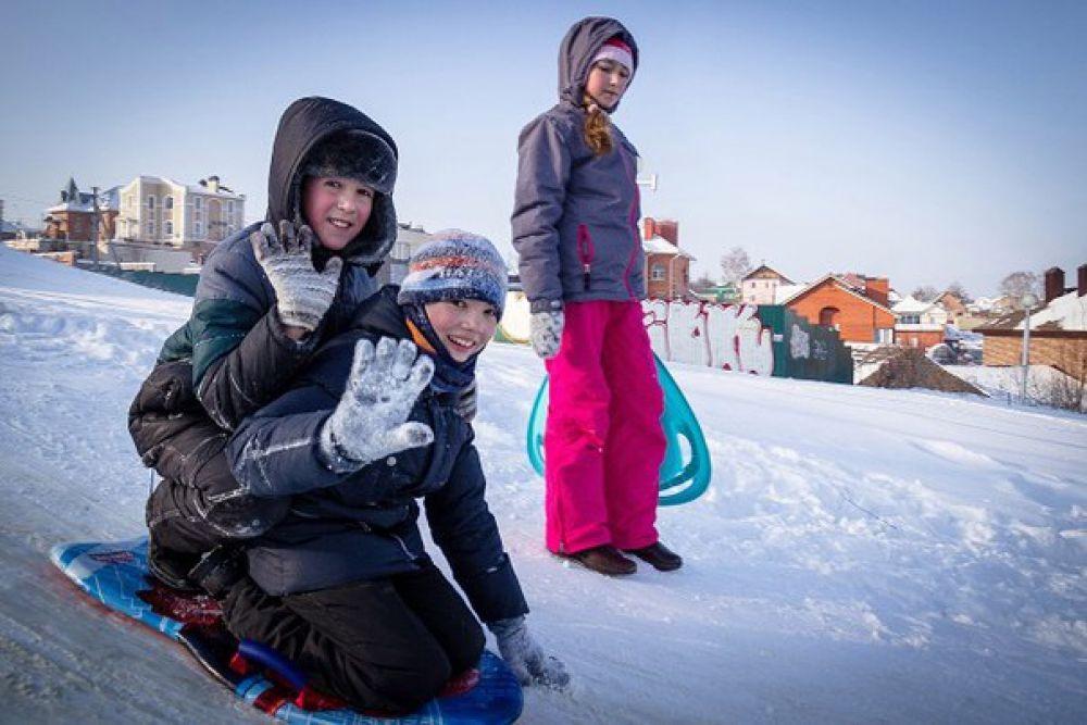 Катанье с гор - еще одна зимняя забава