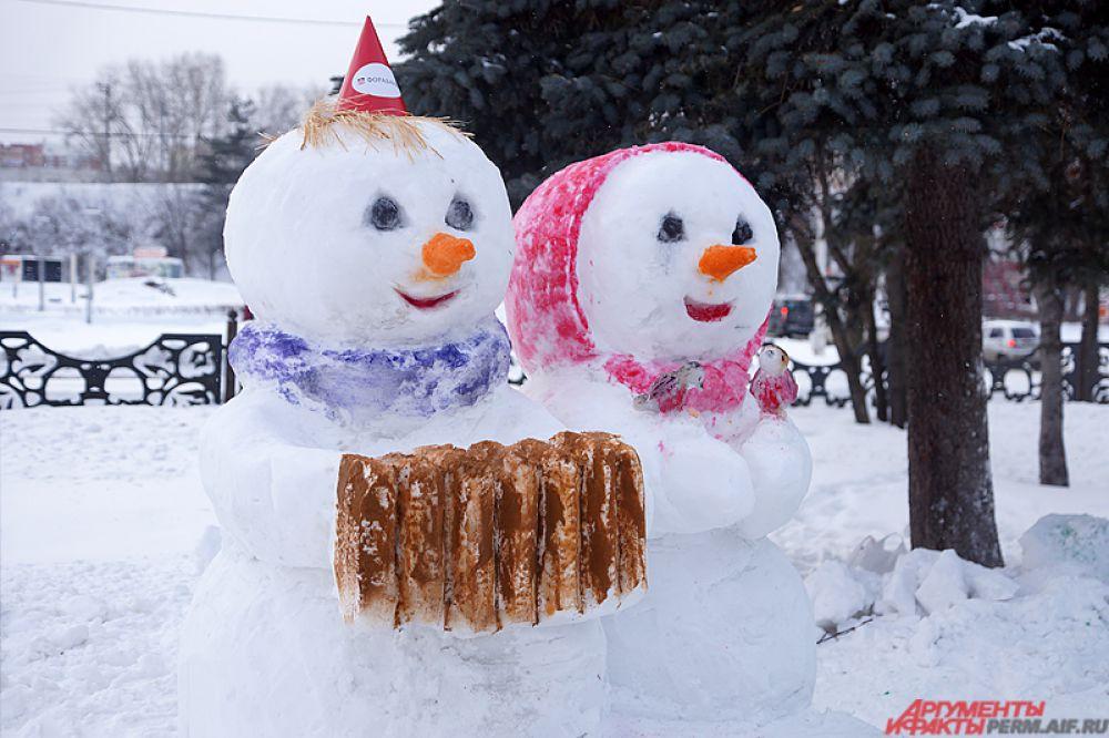 Парная композиция снежных друзей.