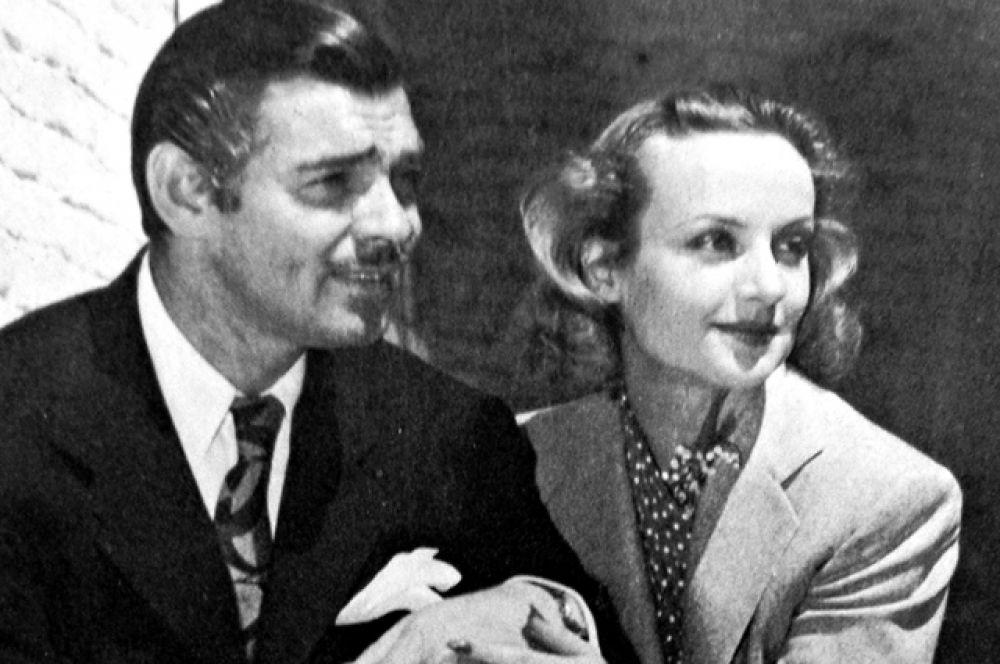 В 1939 году Гейбл женился на актрисе Кэрол Ломбард, с которой они познакомились еще в 1932 году на съемках фильма «Трудный мужчина».