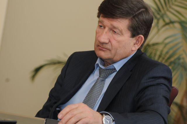 Омские журналисты спросили мэра о судьбе городского транспорта.