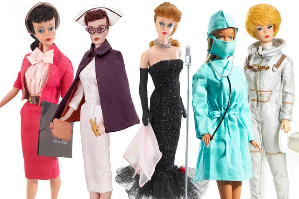Начиная с 1960 года Барби активно «осваивает» различные профессии. Первыми она примерила образы  деловой женщины-дизайнера и певицы в 1960 году, за ними - балерины и медсестры (1961), няни (1963), учительницы (1965). В 1965 была выпущена первая Барби-космонавт, а в 1991 появилась даже Барби-кандидат в президенты.