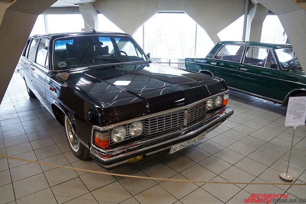 ГАЗ-14 «Чайка» — советский представительский легковой автомобиль большого класса, ручная сборка на Горьковском автомобильном заводе c 1977 по 1988 год. В целом автомобиль был неприхотлив и ремонтопригоден, на его эксплуатационных характеристиках благотворно сказывалось высокое качество деталей и сборки.
