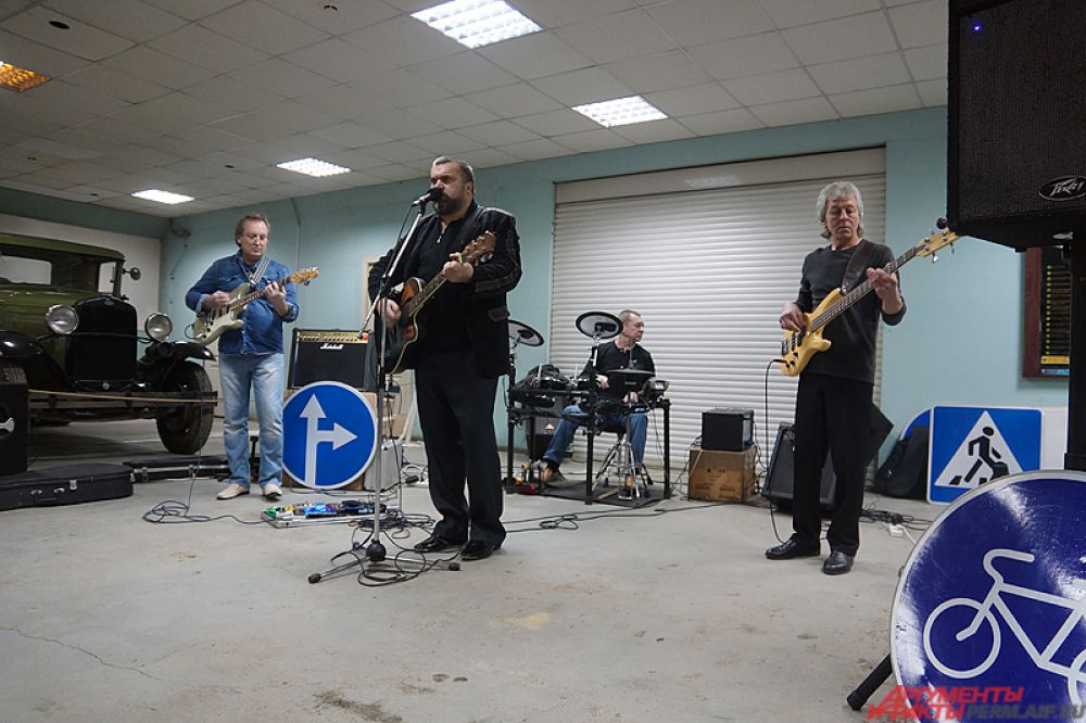 На открытии музея выступили пермские музыканты.