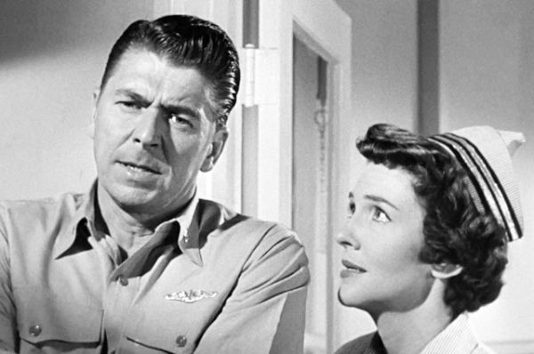 В 1957 году Рейган со своей второй женой Нэнси Дэвис снялся в драме о Второй мировой войне «Морские ведьмы».