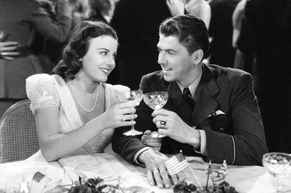1941 год, в фильме «Международная эскадрилья».