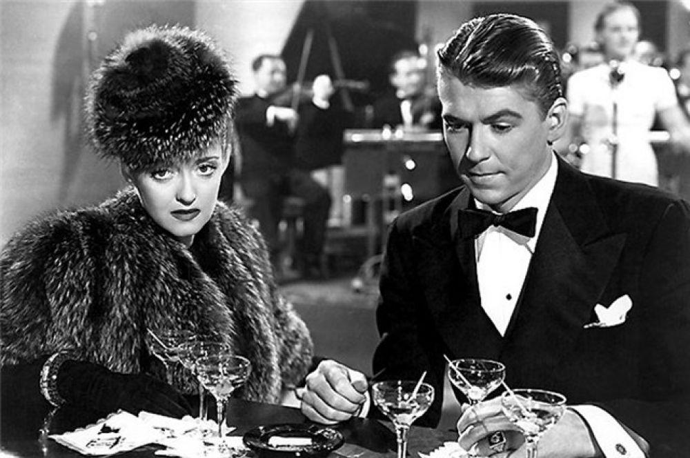 1940 год, с актрисой Бетт Дэвис в фильме «Победить темноту».