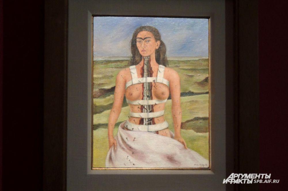 """""""Сломанная колонна"""" - самая известная работа из представленных на выставке"""