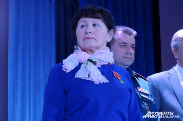 Тамара Пастухова приехала на награждение после ночной смены
