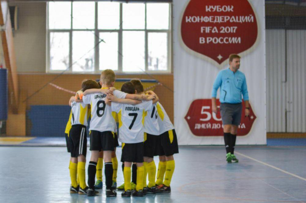 Они представляют ФК «Ростов», «Арсенал», «ДЮСШ-6», «Академия», «Победа» и «Водник».