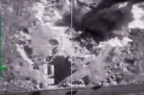 Уничтожение российской авиацией опорного пункта боевиков в провинции Идлиб.