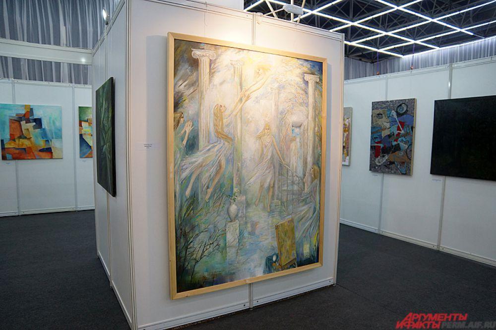 Всего на выставке разместились 340 стендов и более 500 участников.
