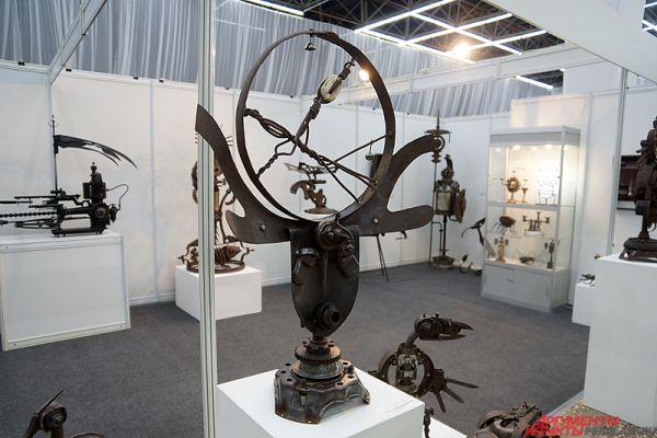Железные изваяния известного пермского художника Рустама Исмагилова.