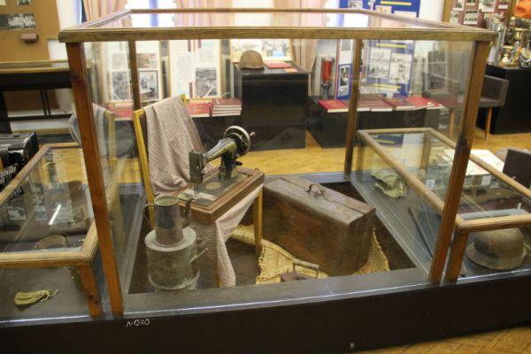 Экспозиция краеведческого музея в тесном соседстве с ДШИ на втором этаже