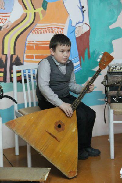 В четверг школа была закрыта на карантин, однако самые бесстрашные музыканты всё-таки занимались