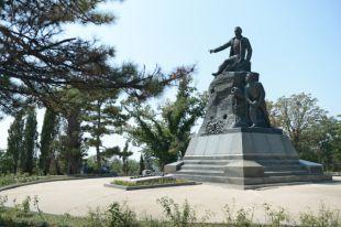 Памятник на месте смертельного ранения 5 октября 1854 года вице-адмирала Владимира Корнилова.