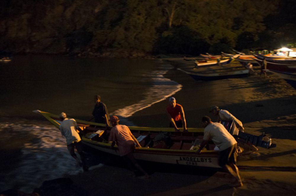 Контрабанда в Венесуэле существовала всегда, однако, теперь усилилась до беспрецедентного уровня.