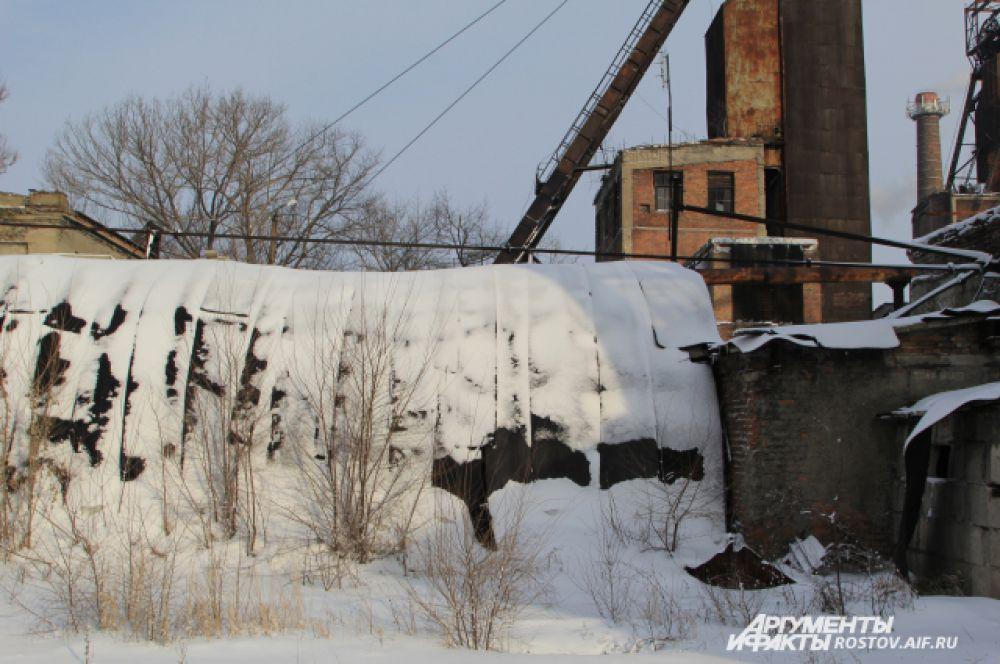 Сюда входили шахтеры и спускались под землю, чтобы добывать уголь.