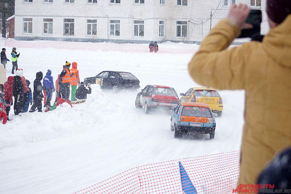Гранд-финал Кубка, в котором встретятся сильнейшие гонщики, победившие в квалификации, стартует в Перми уже только в марте.